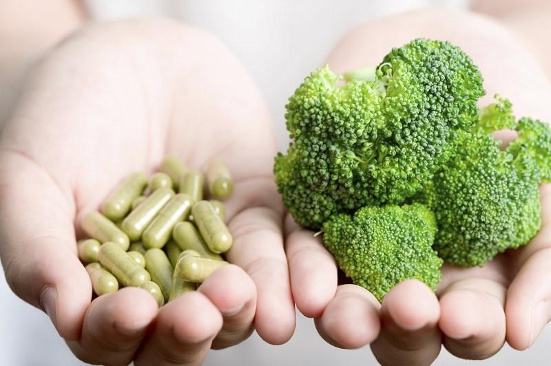 vitaminai yra naudingi varpui)