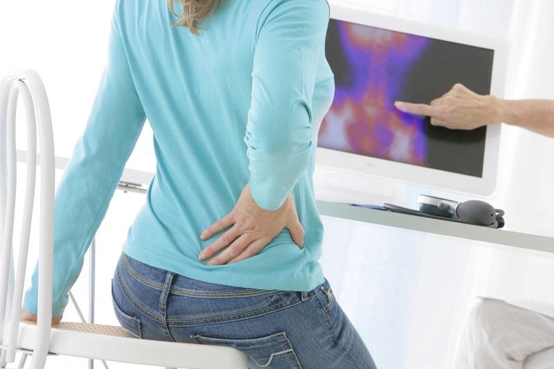 Kaip elgtis, kai kamuoja stuburo skausmai?
