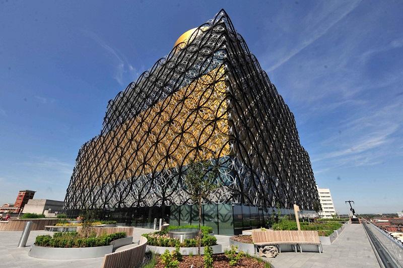 Biblioteka – erdvė, kuri gali virsti rojumi