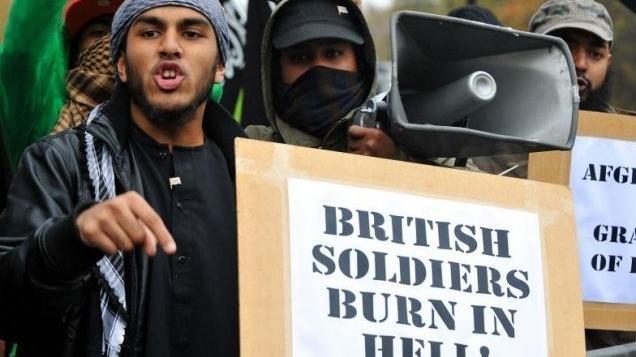 Kaip radikalizuojami britų musulmonai