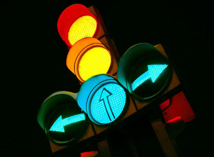 Idėja spūstims mažinti – atsisakykime šviesoforų?
