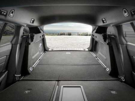 """Naujasis """"Peugeot 508 SW"""": reveransas moterims"""