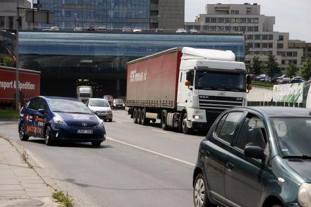 """Vairuotojų profesionalumas Lietuvoje: nori """"spausti"""" ir nepaisyti greičio ribojimų"""