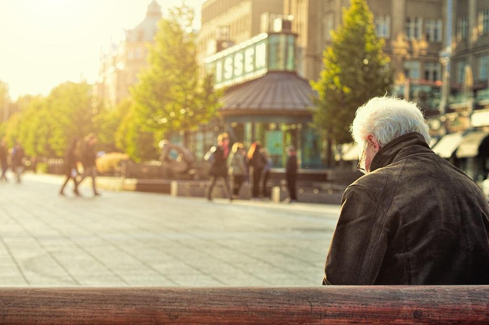 Senjorams pradėtos mokėti didesnės pensijos