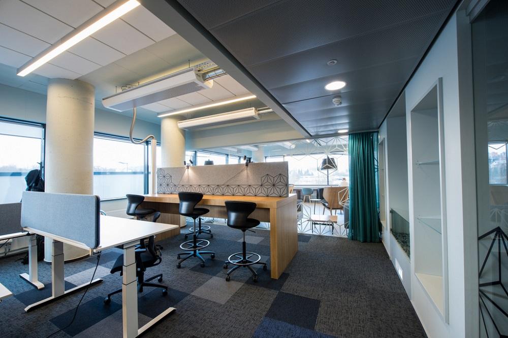 Kodėl bendradarbystė geriau nei tradicinis biuras ar darbas iš namų?