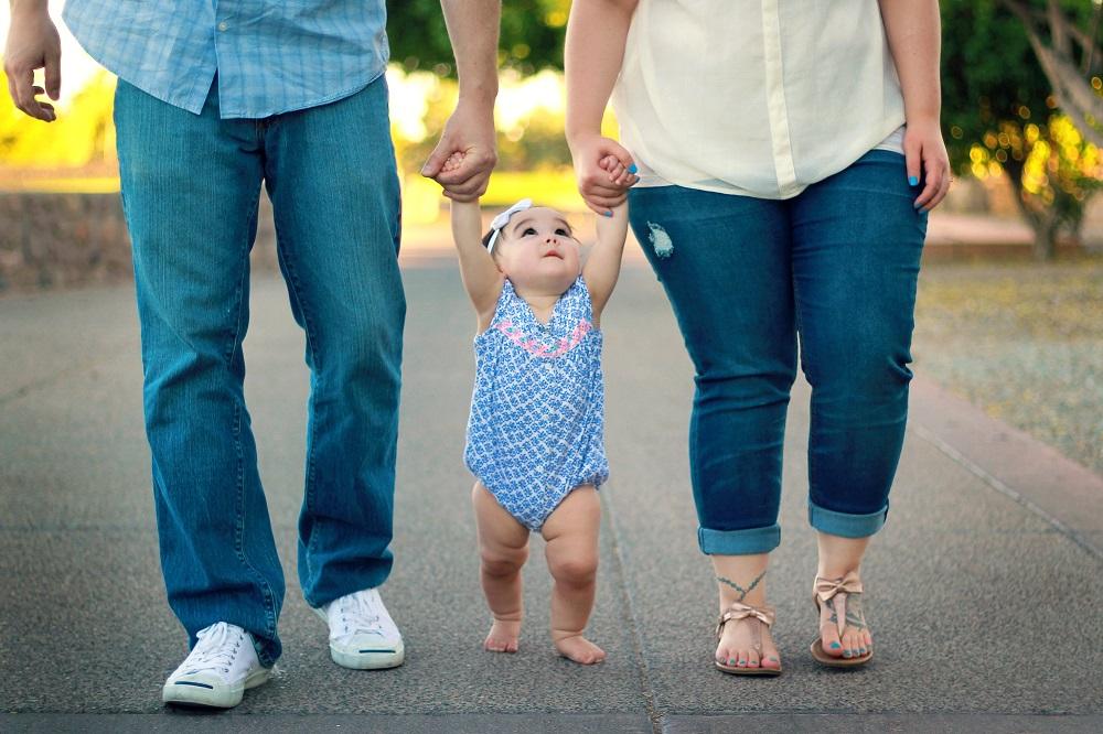 Ar Lietuva seks Švedija, kur tėčiams tris mėnesius privalu būti su vaikais?