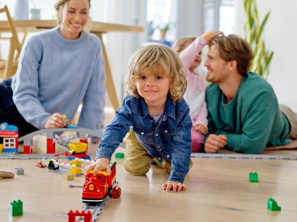 Šeimos, kuriose daugiau skiriama laiko žaidimams, yra laimingesnės