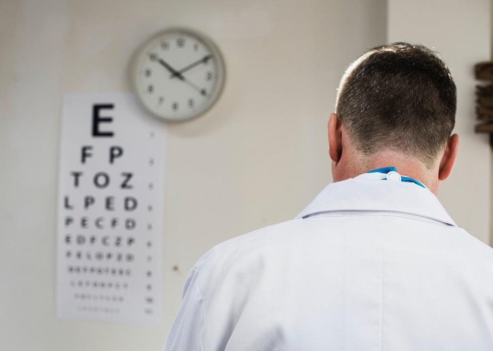 Daugiau nei pusė jaunų gydytojų iš atlyginimo neišlaiko savo šeimų