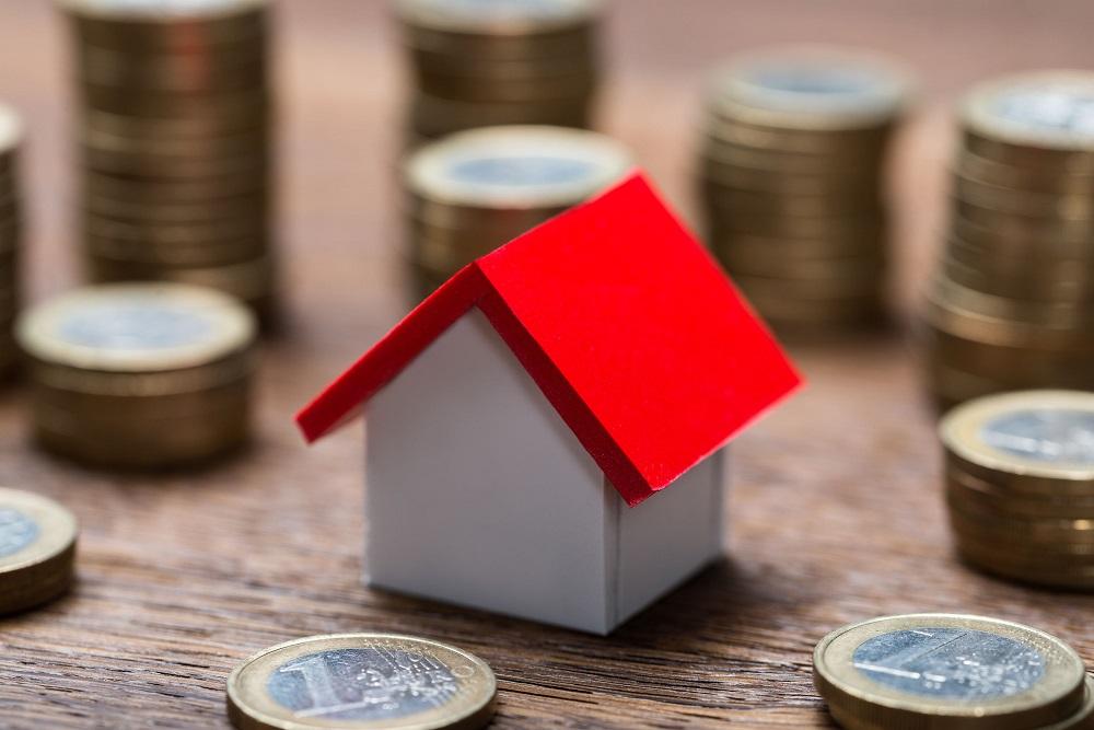 Šiandienos aktualijos: apie būsto kainą, lietuviškų prekių proveržį ir artėjančią finansų krizę