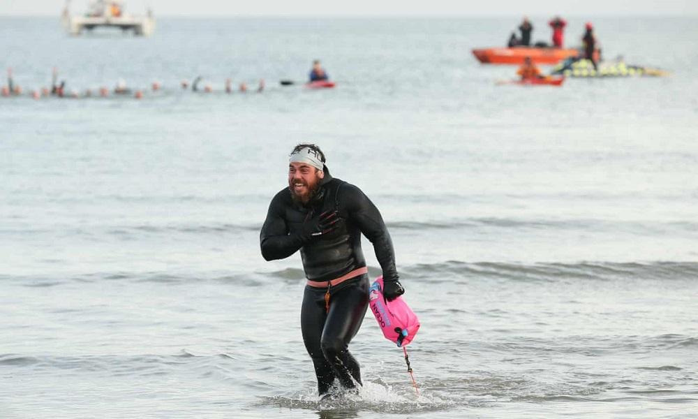 Plaukikas per penkis mėnesius apiplaukė Didžiąją Britaniją