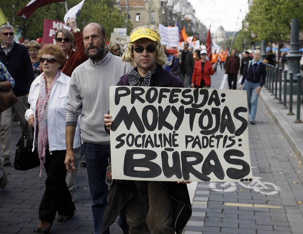 Nepatenkinti pedagogai planuoja streiką: pirmadienį dalyje mokyklų nevyks pamokos