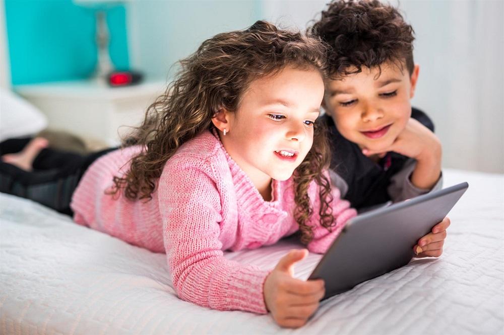 Auganti alfa karta: mokysis iš mokytojų ar influencerių?