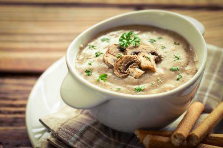 Šaltiems žiemos vakarams – kreminė pievagrybių sriuba (video)