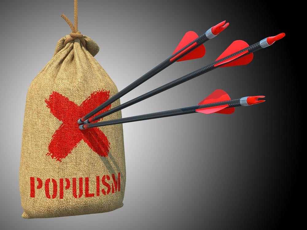 Šiandienos aktualijos: padidintos išmokos vaikams, naudoti daiktai ir populizmo pusės
