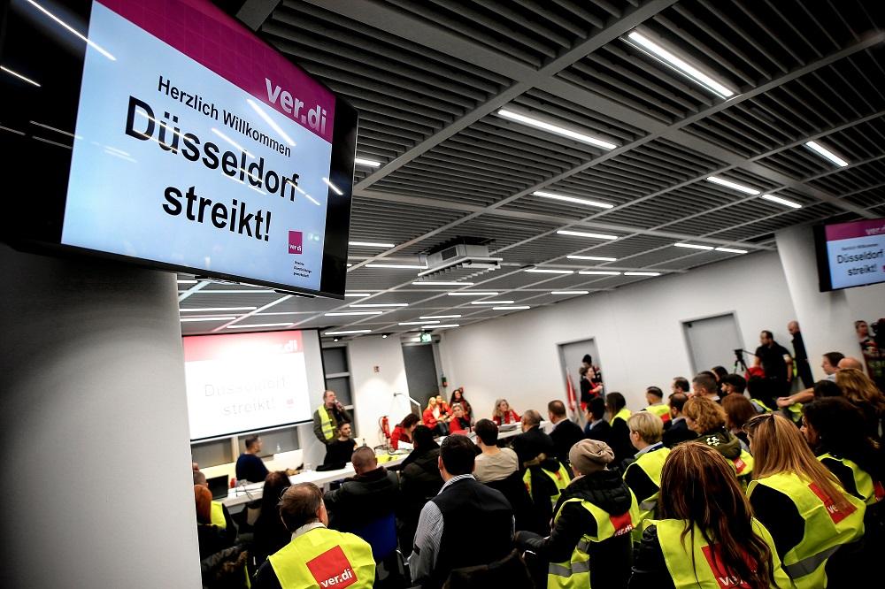 Dėl streiko Vokietijos oro uostuose atšaukta daugiau nei 600 skrydžių