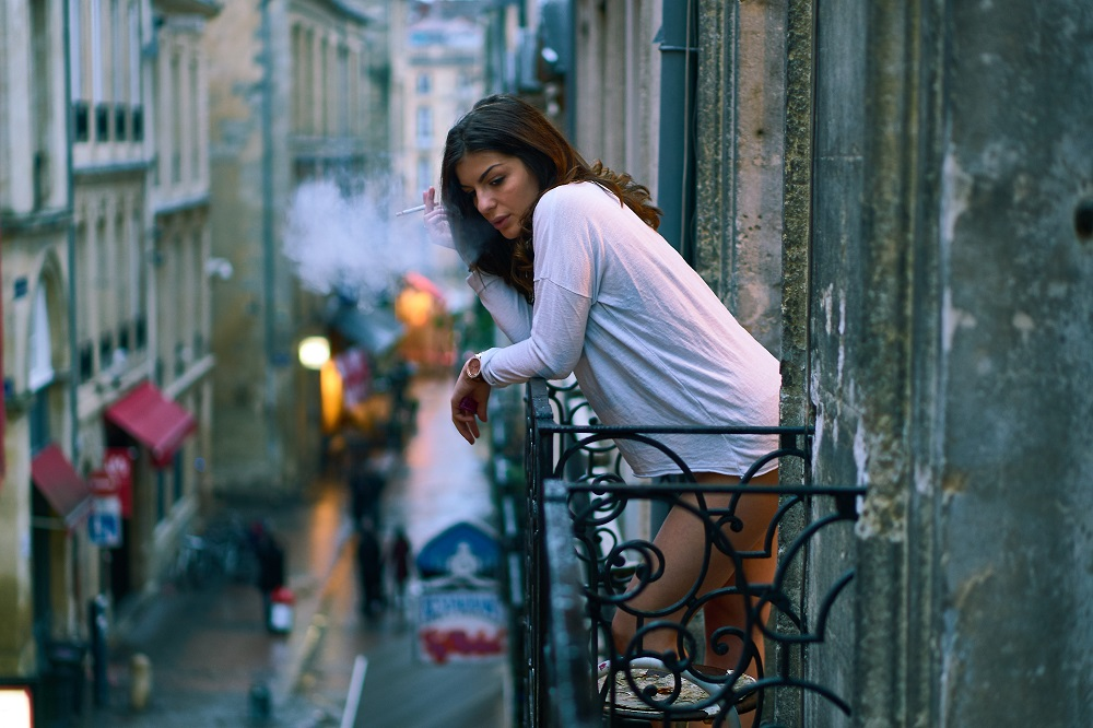 Prezidentūra įvertino siekį uždrausti rūkyti balkonuose: toks įstatymas gali tapti parodija
