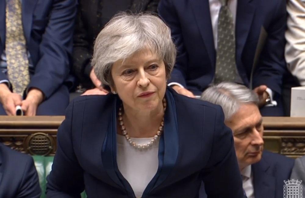 """""""Brexito"""" užkulisiai: britų žiniasklaida apie T.May """"košmarą"""" ir """"istorinį pralaimėjimą"""""""