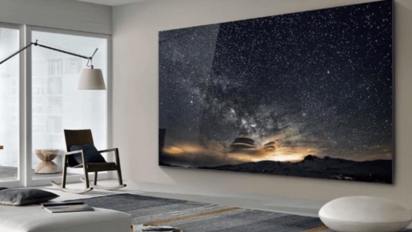 """Pamatykite: pristatytas milžiniškas televizorius, vadinamas """"Siena"""""""