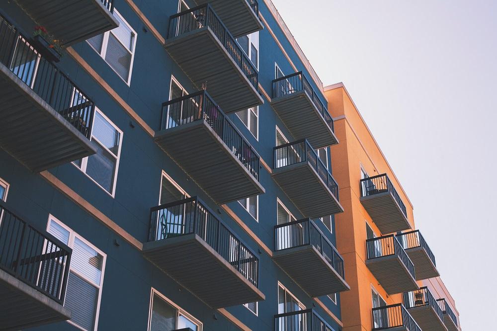 Atskleista: kokią sumą lietuviai išleido naujiems būstams?