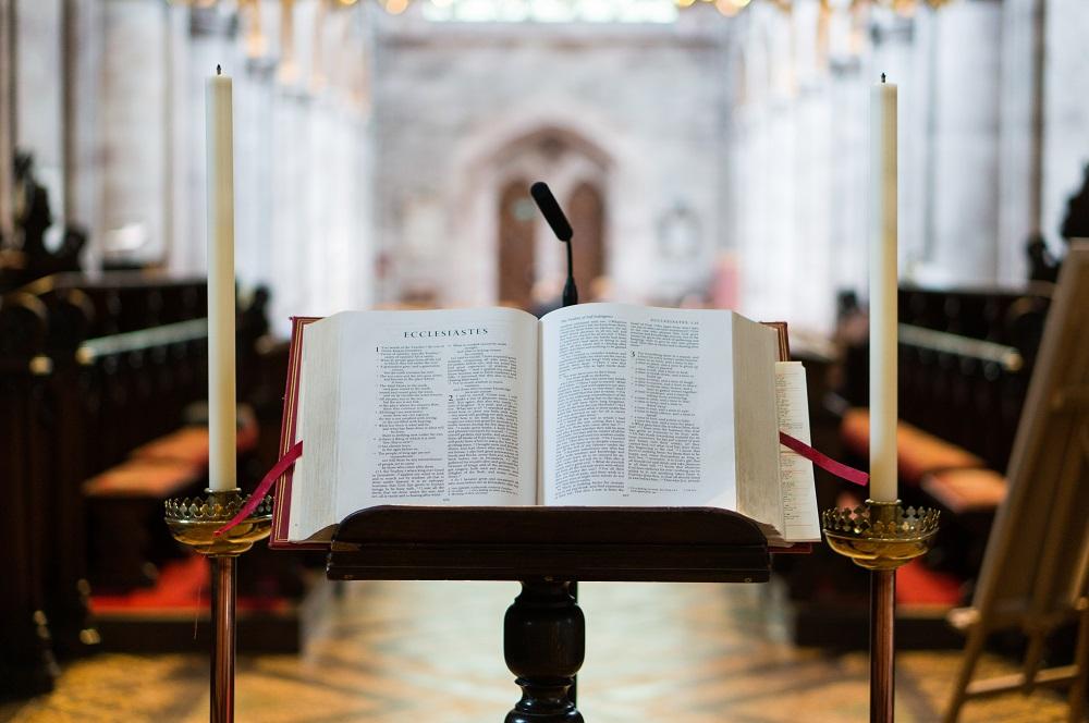 Įkvepiantis dosnumas: Vokietijos bažnyčioje ant altoriaus palikta 160 tūkst. eurų auka