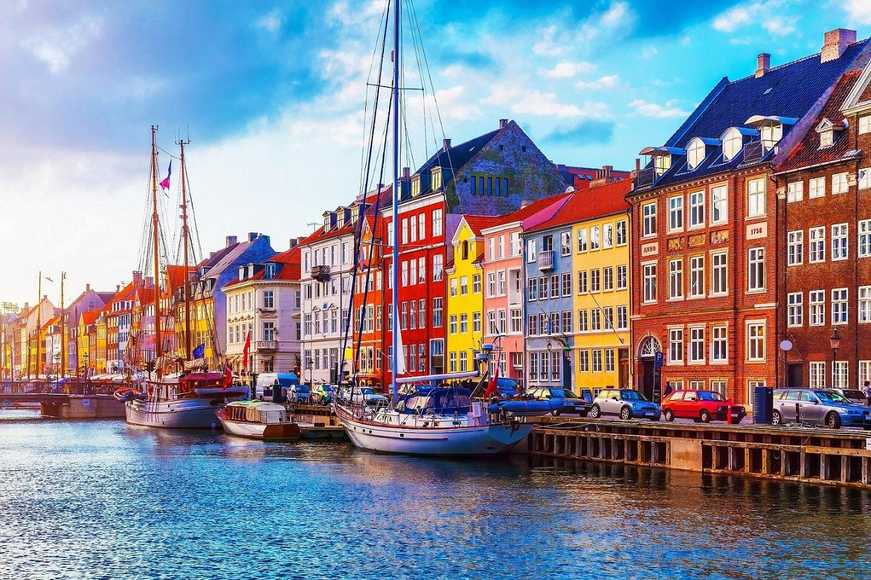 Nepamirštamas Valentino dienos savaitgalis: 6 Europos miestai, kuriuos verta aplankyti