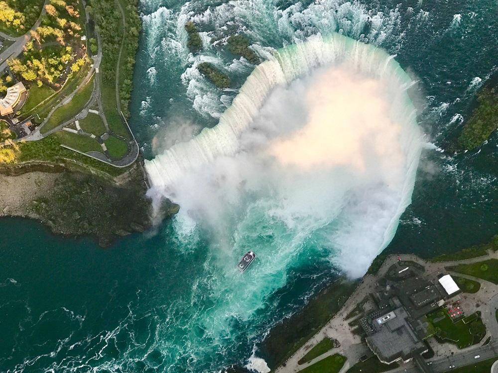 Niagaros kriokliai Vasario 16-ąją nušvis Trispalvės spalvomis