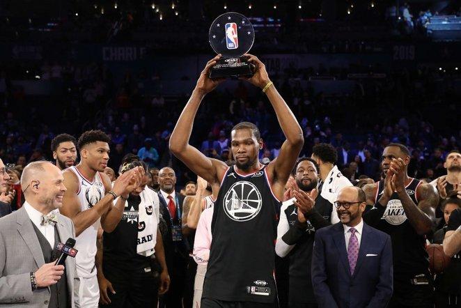 """Šarlotėje įvyko NBA """"Visų žvaigždžių"""" rungtynės"""