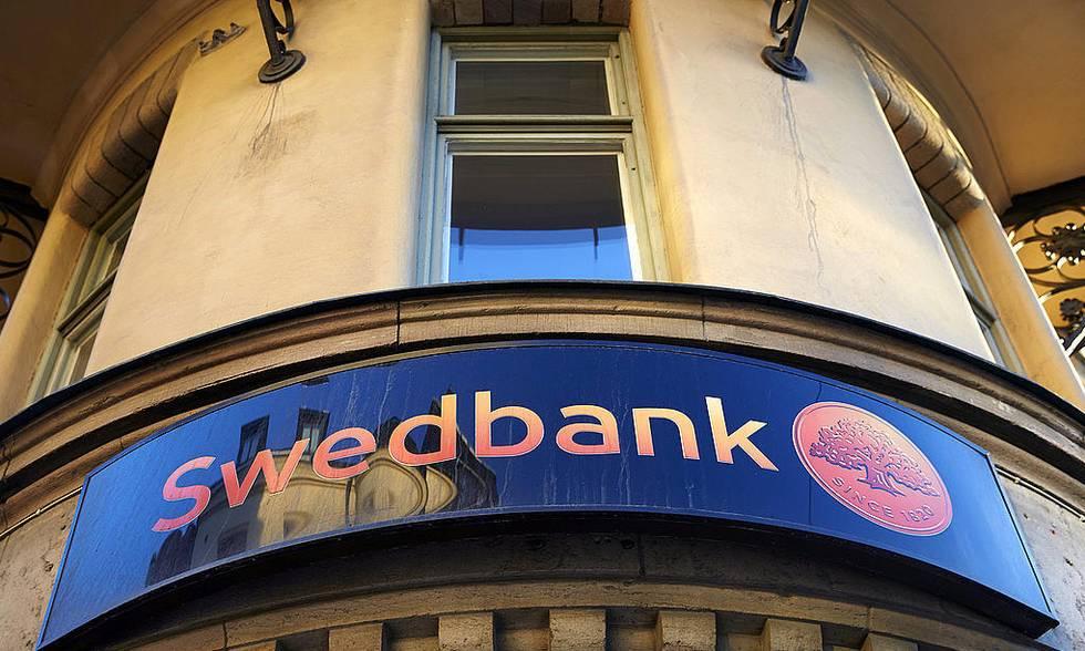 """Švedijoje mesti įtarimai, kad """"Swedbank"""" plauna pinigus (papildyta)"""