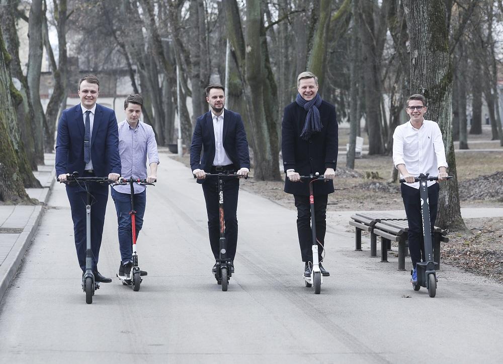 Vilniuje pristatyta nauja elektrinių paspirtukų dalijimosi paslauga