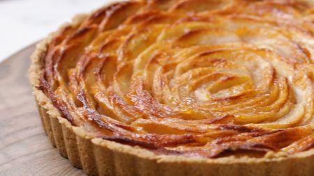 Mėgstantiems kepinius: avižinė obuolių tarta (video)