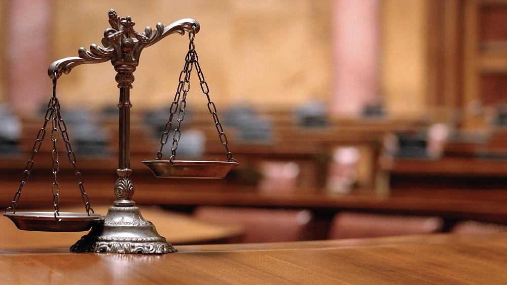 Tesininko konsultacija: pareigių panaikinimas ir neįvertintas mokumas