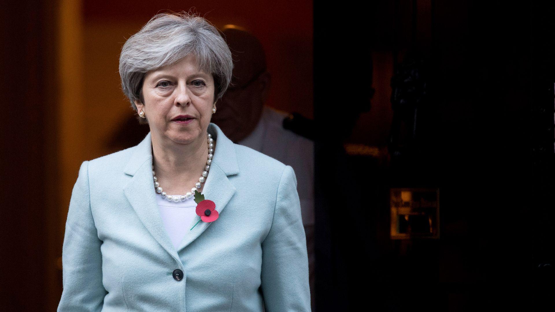 """Th.May paprašė atidėti """"Brexitą"""" iki birželio pabaigos"""