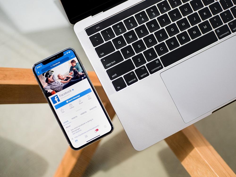"""""""Facebook"""" pripažino: šimtus milijonų slaptažodžių galėjo matyti visi įmonės darbuotojai"""