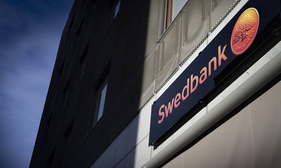"""""""Swedbank"""" galimybę pasitraukti iš Baltijos šalių vadina spekuliacija"""