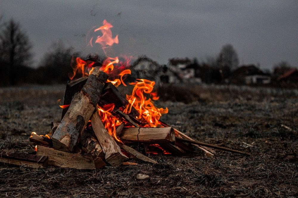 Aplinkosaugininkai primena: pernykštės žolės padegėjams gresia baudos
