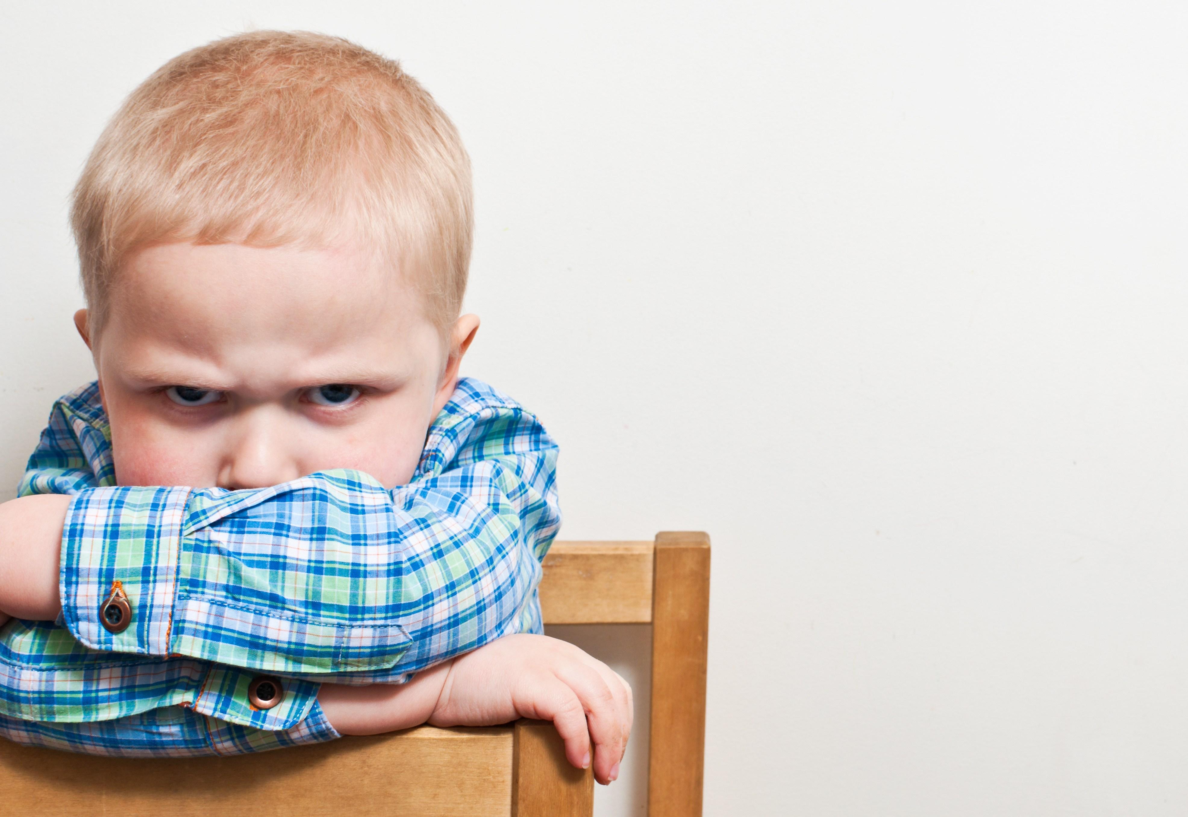 Kaip auklėti vaikus, kuomet jie sulaužo bendrą susitarimą?