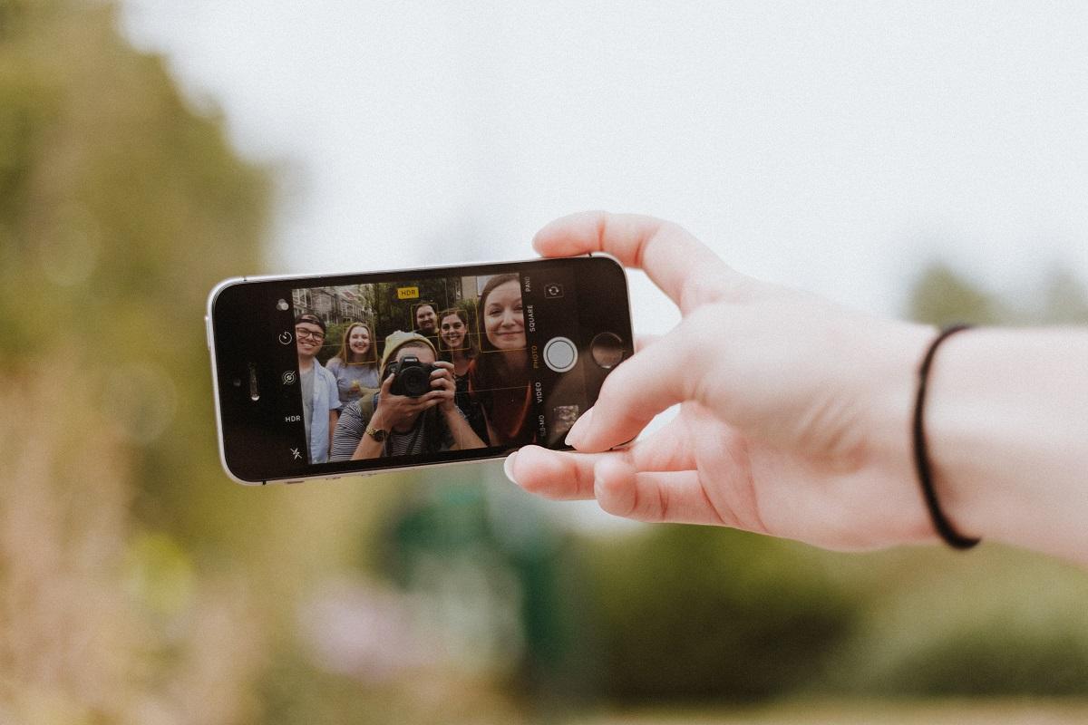 Dėmesio troškimas socialiniuose tinkluose – priklausomybė ar asmenybės bruožas?