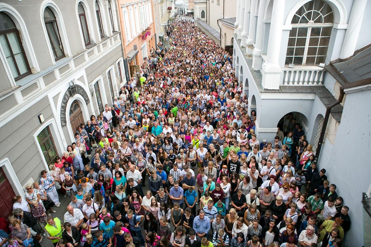 Šiandienos aktualijos: trys milijonai lietuvių, gydytojų stygius regionuose ir populiarėjančios grožio operacijos