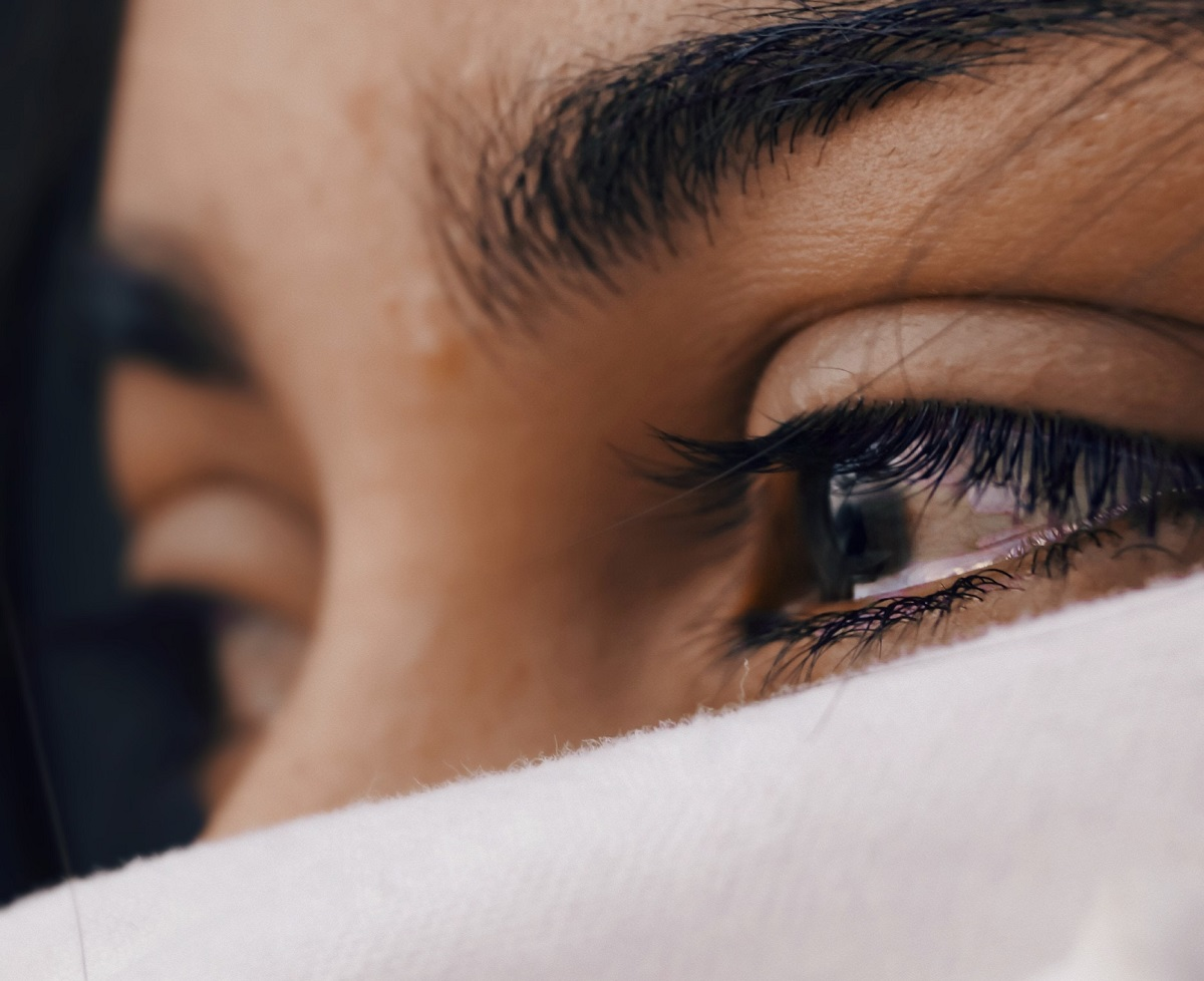 Kodėl dauguma moterų bijo aplinkinių kritikos ir kaip nuo jos išsivaduoti?