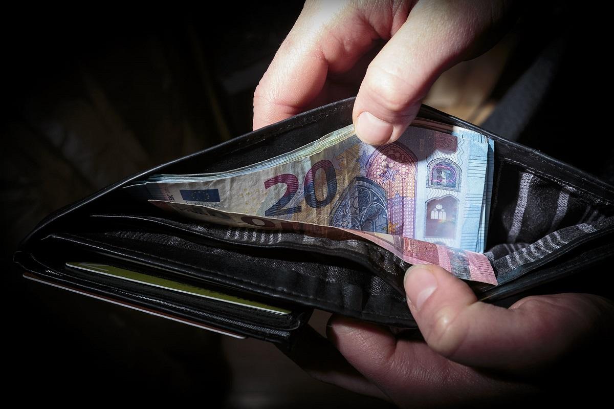 Aktualu: kaip kitąmet augs vidutinis atlyginimas ir minimali alga?