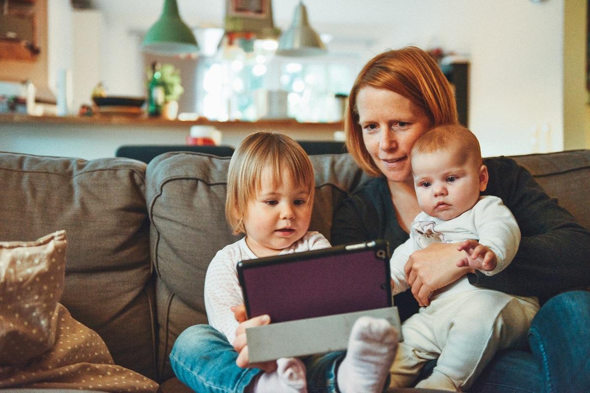 Daugiavaikės mamos jau kitais metais gali sulaukti didesnės šalpos senatvės pensijos