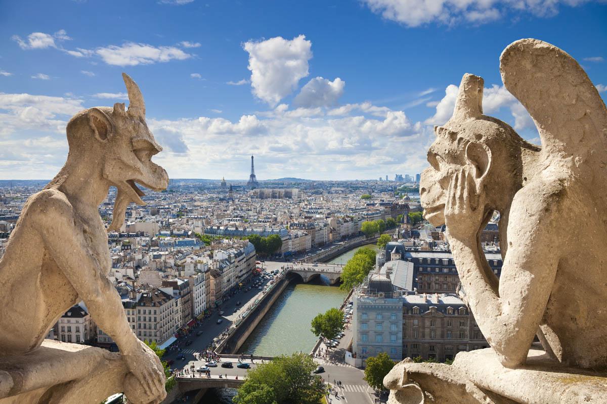 Paryžiaus katedros vietoje būta ne vienos šventovės