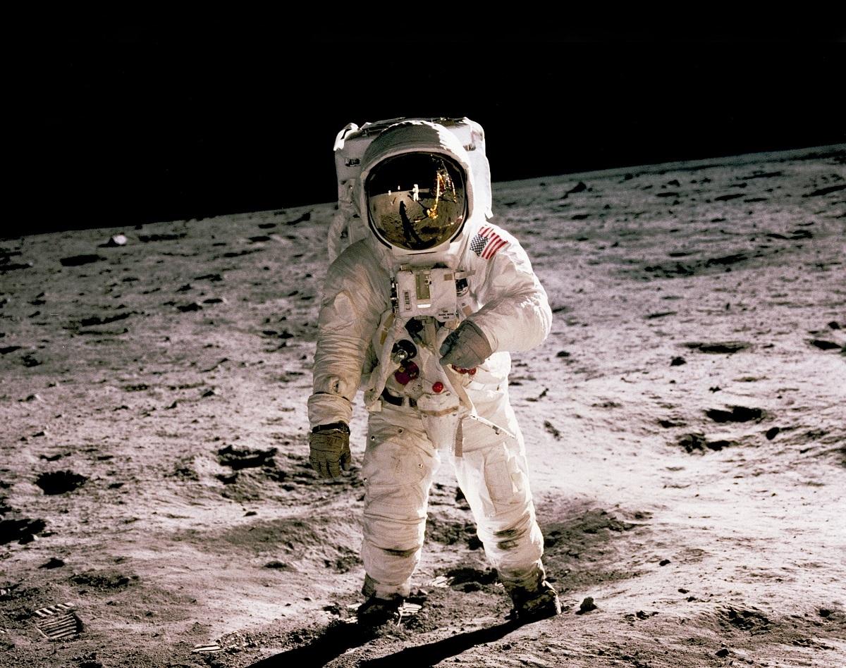 JAV planuoja naujas išvykas į Mėnulį ir Marsą: tam skirta papildomi 1,6 mlrd. dolerių