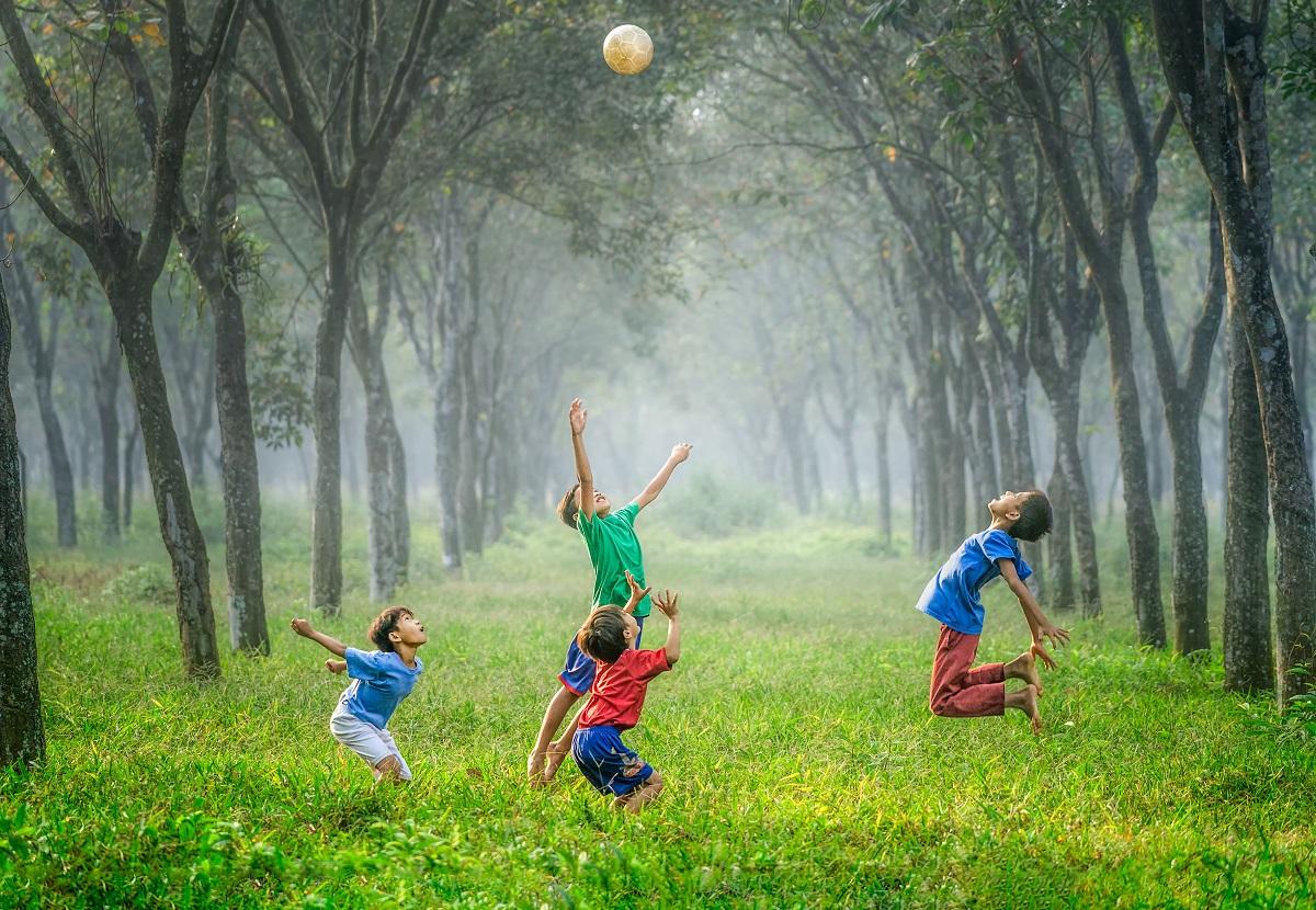 Ko galime pasimokyti iš vaikų žaidimų ir tautosakos?