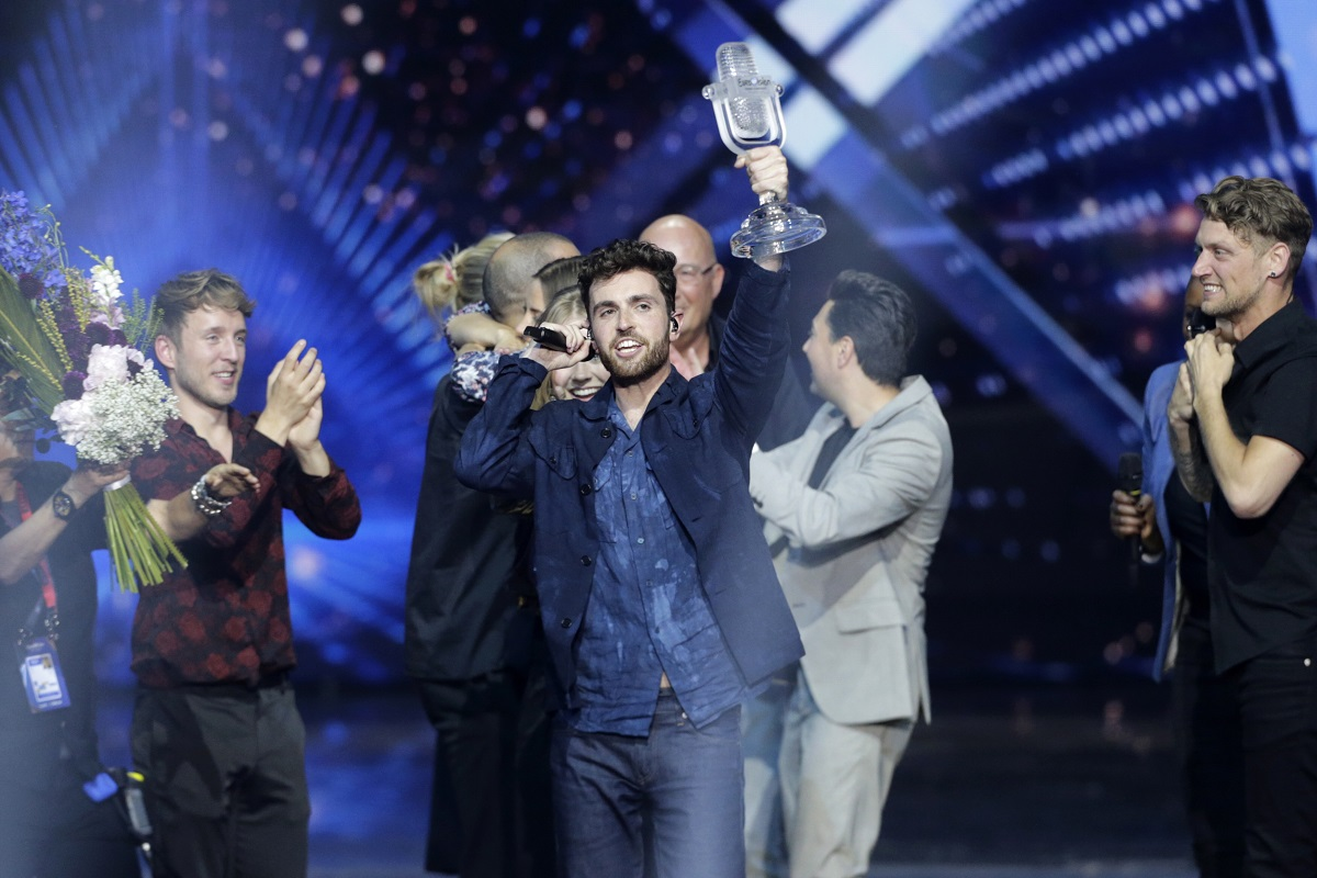 """""""Eurovizijoje"""" – Nyderlandų triumfas ir liaupsių nesulaukęs Madonos pasirodymas"""