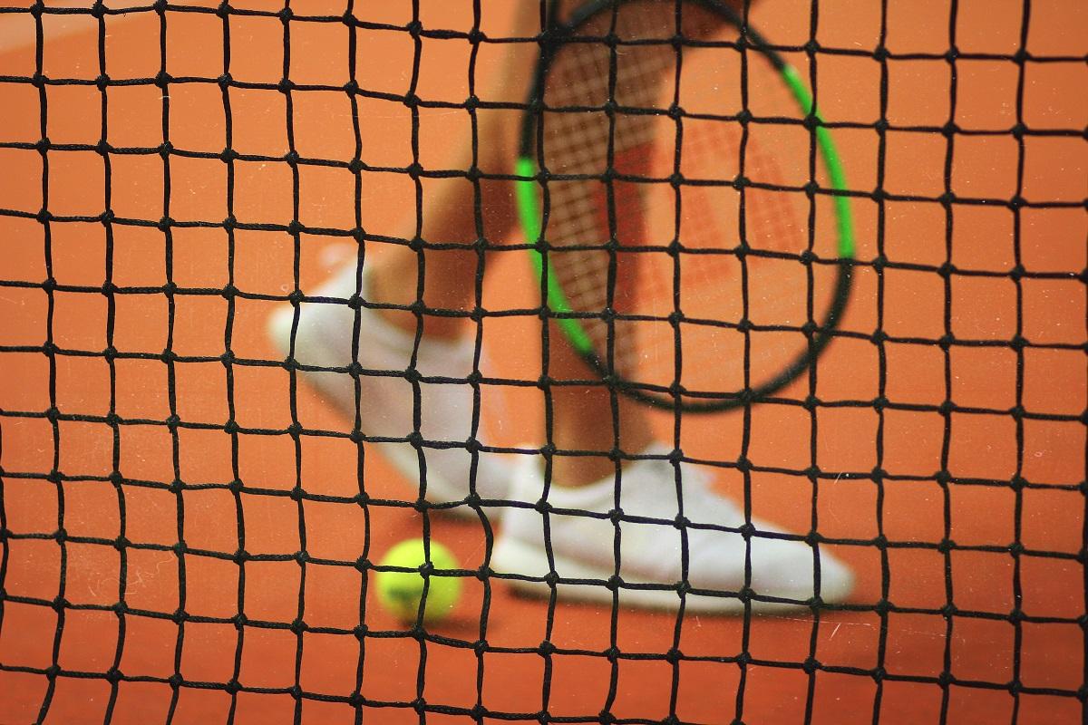 Mėgstantiems tenisą: patarimai, kaip išvengti dažniausiai pasitaikančių traumų