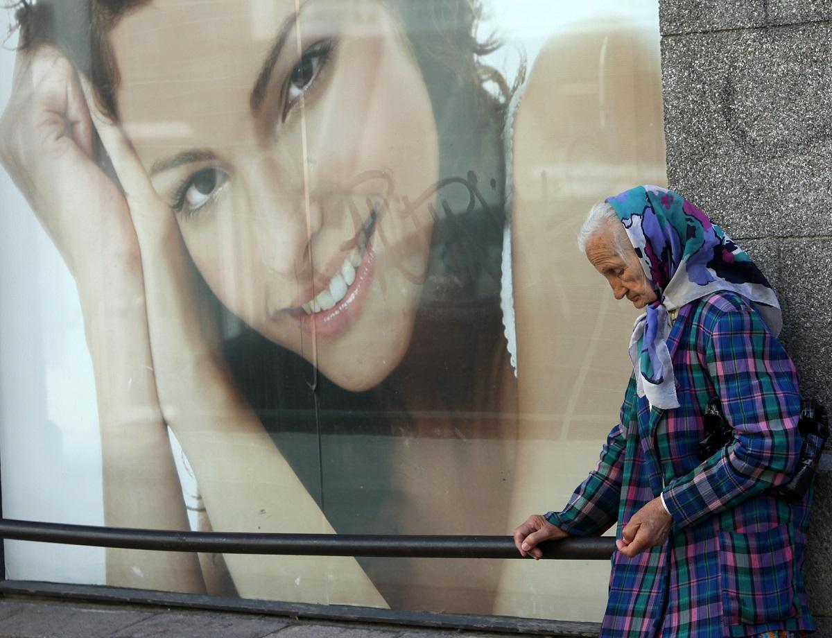 Beveik pusė Lietuvos dirbančiųjų nerimauja dėl savo senatvės