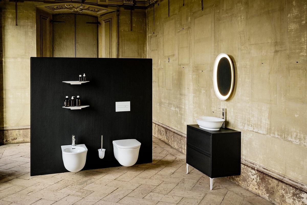 Technologijų banga vonioje: nuo 3D iki telefono lentynėlės ir popieriaus laikiklio viename