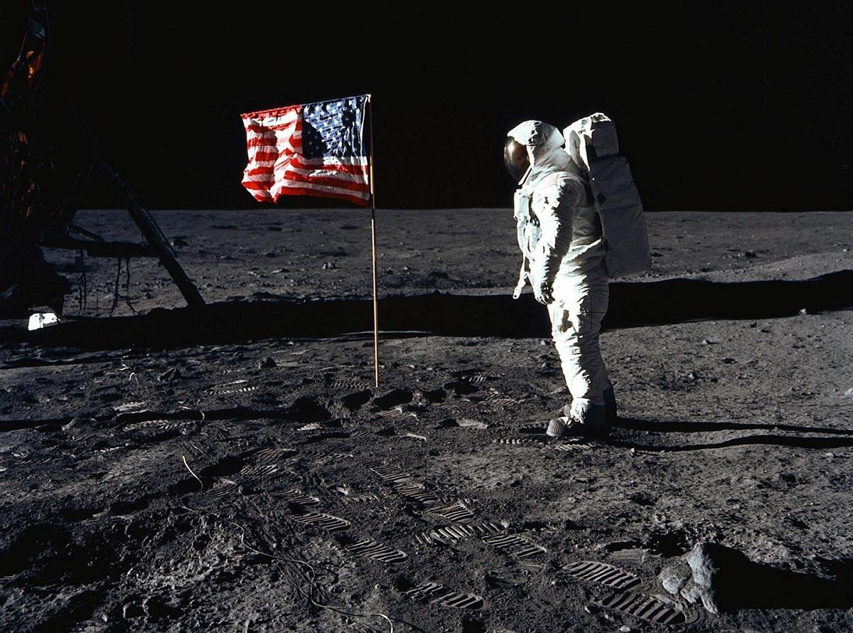 """""""Mažytis žingsnis žmogui ir milžiniškas šuolis visai žmonijai"""""""