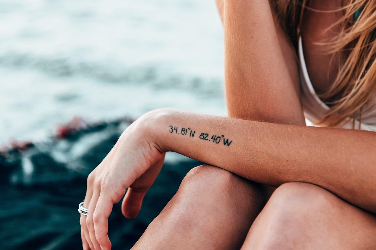Irane tatuiruoti asmenys prieš gaudami vairuotojo pažymėjimą turės atlikti psichologinį testą